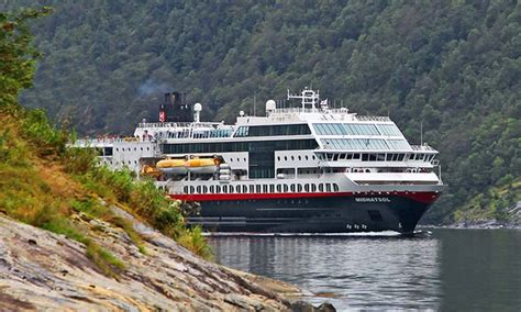 Tour of Norway with Airfare and Fjord Cruise from Gate 1