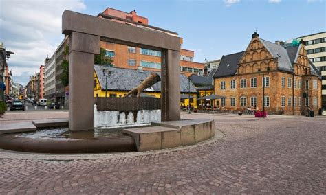 Norway Vacation with Walking Tour, Train Ride, and Airfare