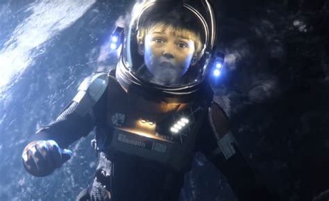 'Lost In Space' Trailer: Netflix Brings the Robin Family