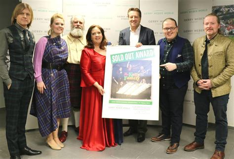 """The Kelly Family: Irische Kultband erhält """"Sold Out-Award"""